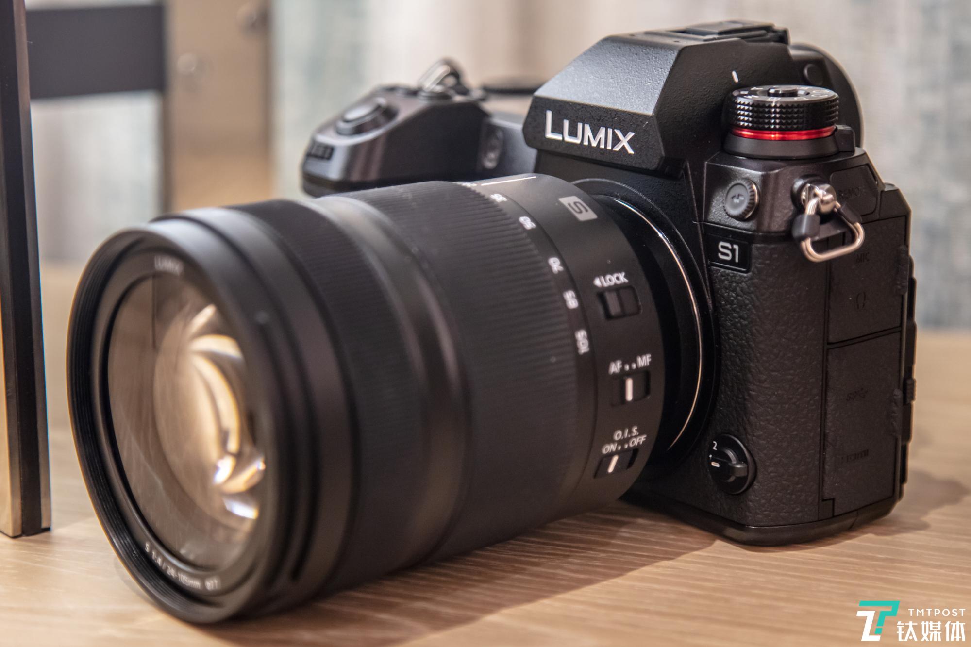 松下LUMIX S1全画幅无反相机